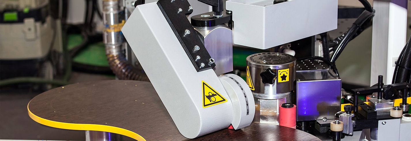 Störk-Tronic measuring and control technology, controllers, control units for industrial cooling, edge gluing machines.
