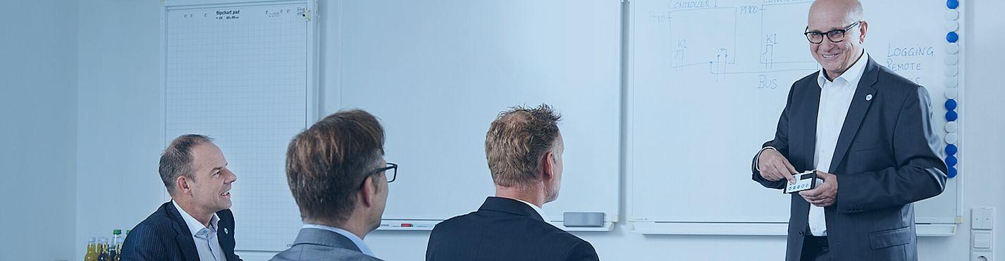 Störk-Tronic Service, häufig gestellte Fragen, fruequently asked questions, FAQ, Beratung, technische Beratung, Expertise, professionell, Vertrieb, Außendienst, Innendienst.