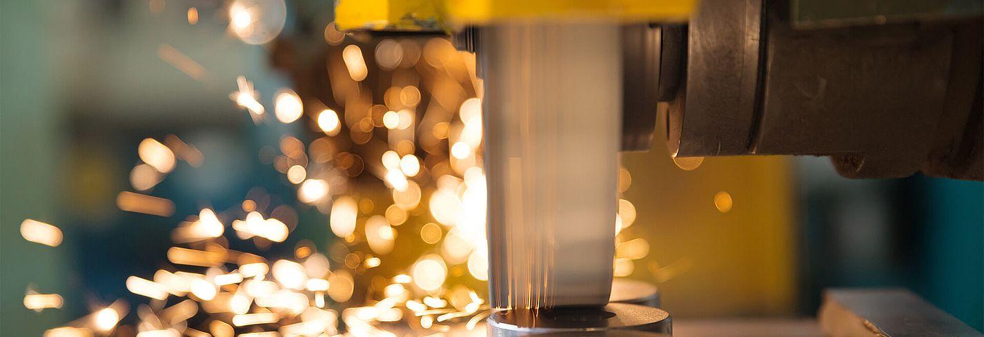 Störk-Tronic Mess- und Regeltechnik, Regler, Regeleinheiten für Industriekühlung, Lasertechnik, Metallbearbeitung.
