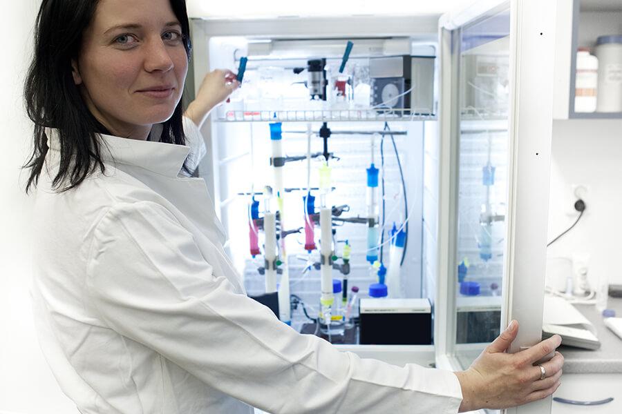 Störk-Tronic Mess- und Regeltechnik, Regler, Regeleinheiten für Medizintechnik, Blutkühlschrank.
