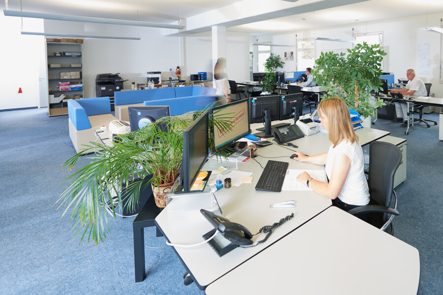 Störk-Tronic Career, development, software, hardware, bright, large workplaces, working atmosphere.