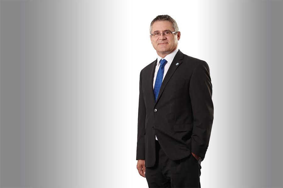 [Translate to Englisch:] Störk-Tronic technischer Leiter, technische Leitung, Edgar Holzäpfel.
